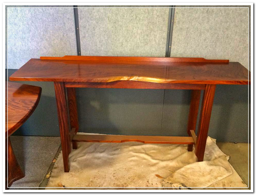 red cedar furniture display table