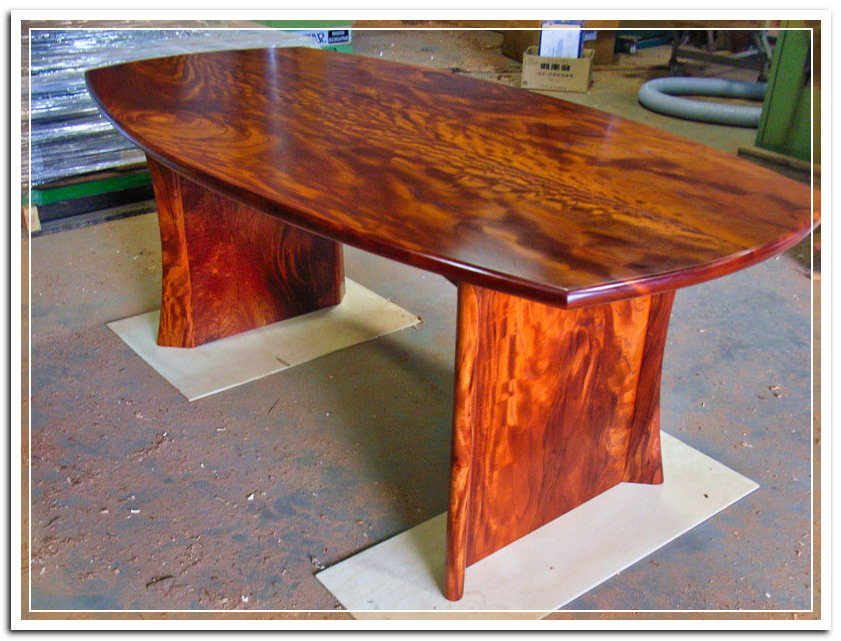 red cedar bespoke dining table